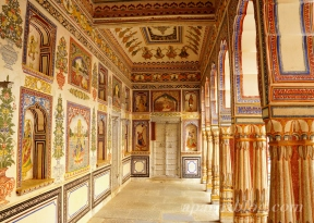 Frescoes in Morarka Haveli, Nawalgarh.